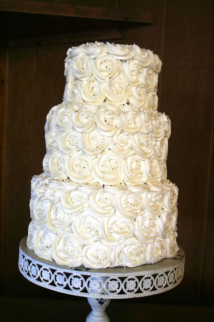 Simple White Wedding Cake \u2013 Happy Cake Baker